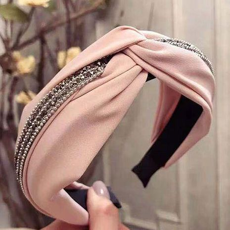 Korean version of the simple new cross knotted diamond wide side wide headband headband headband buckle women's headband NHSC180758's discount tags