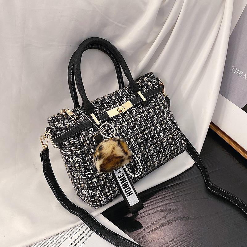 Wholesale women bags wool bag new fashion lattice shoulder slung small square bag NHTC180965