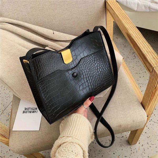 Wolesale women bags new fashion retro crocodile pattern shoulder slung small square bag NHTC181014