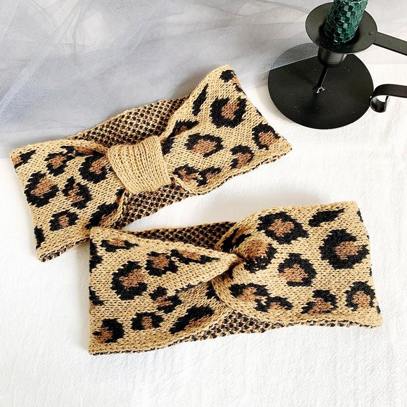 Korea's new retro knitted wool woven leopard cross hair band winter wide-brimmed elastic headband headband NHOF181322