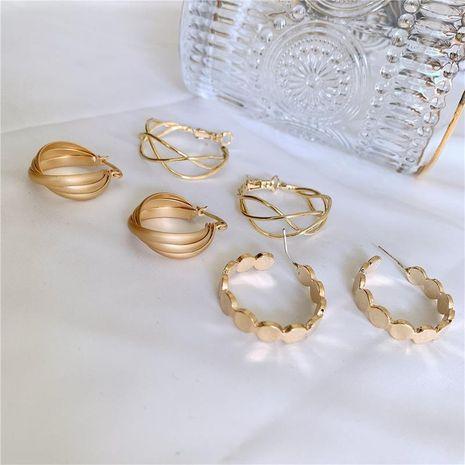 Pendientes de malla hueca de metal pendientes simples joyería de moda al por mayor NHYQ181522's discount tags