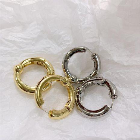 Aretes para mujer redondos de metal marea pendientes nuevos de personalidad al por  mayor de  moda NHYQ181514's discount tags