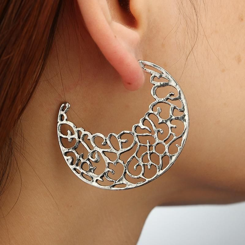 Meniscus Hollow Earrings Retro Alloy Woven U-Shaped Flower Basket Exaggerated Carved Earrings Ear Jewelry NHGY181653