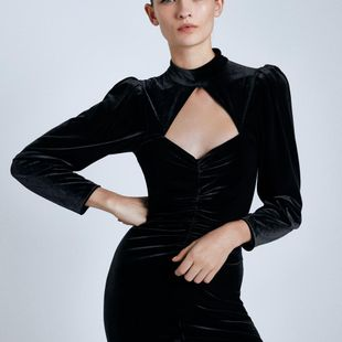 Europe and the United States Wholesale 2019 New Women's Velvet Mini Dress Y13-28386 NHAM182011's discount tags