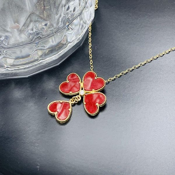 Red Agate Four-leaf Flower Pendant Necklace Rose Gold Clavicle Chain Titanium Steel Necklace NHIM182320