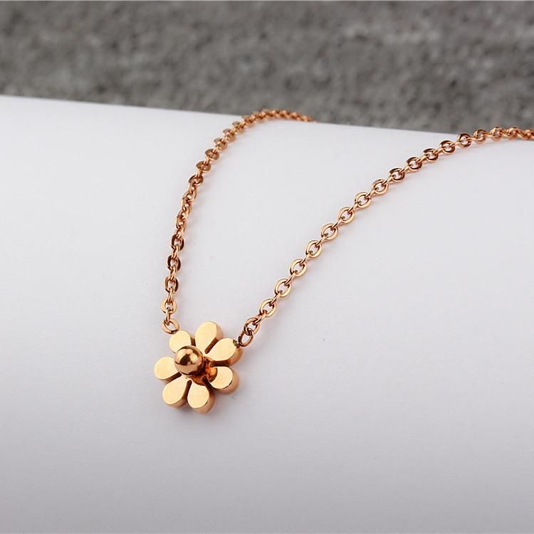 Small Daisy 18K Rose Gold Clavicle Chain Color Gold Titanium Steel Titanium Simple Mini Chrysanthemum Women's Short Necklace NHIM182326