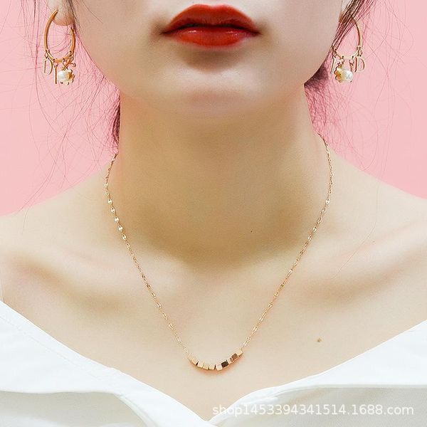 Colgante de caja cuadrada de moda con cadena de pico de pescado material de acero de titanio collar de collar antialérgico sin decoloración NHOK182467