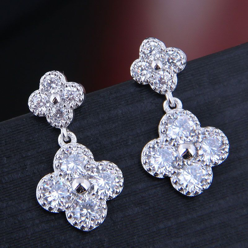 10713 exquisite Korean fashion sweet OL bright clover temperament personality earrings NHSC182640