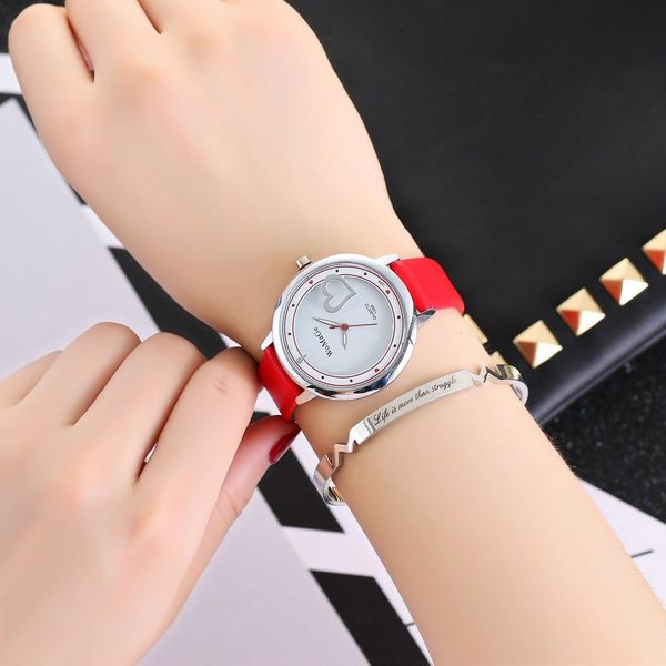 New watch heart student casual watch fashion popular belt ladies watch wholesale NHSY182804