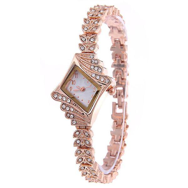 Reloj de cuarzo de moda para mujer reloj de pulsera de diamantes de imitación de alta gama reloj de moda de aleación de diamantes al por mayor NHSY182816