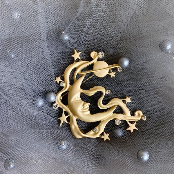 Mr. Moon in the European and American Vintage stars, antique brooch NHYQ175006