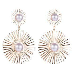 Aretes de perlas de moda pendientes de flores huecas de metal femenino pendientes de marea temperamento de pasarela NHLN175559's discount tags
