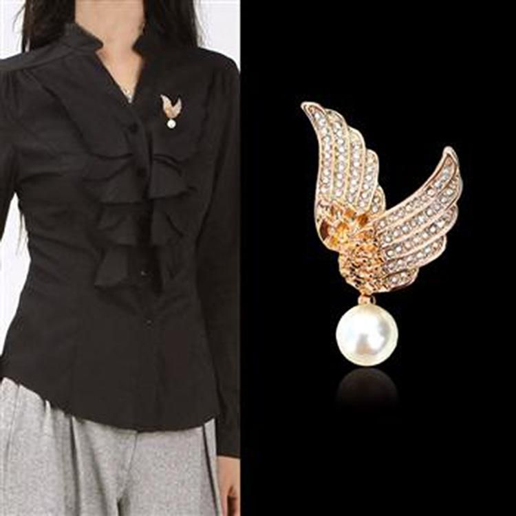 Korean version of the brooch new full diamond angel wings pearl pendant brooch high-end clothing hot supply 350608 NHLJ175935
