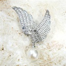 Korean version of the brooch new full diamond angel wings pearl pendant brooch highend clothing hot supply 350608 NHLJ175935