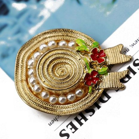 Seaside holiday brooch pin golden flower pearl texture pin foreign trade temperament brooch NHOM176521's discount tags