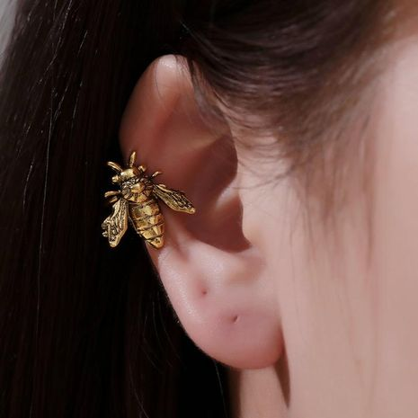 Retro ear clip metal bee earrings female fashion u type single only insect ear bone clip NHDP176380's discount tags