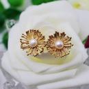 Natural Pearl 925 Silver Stud Earrings Round Metal Flower Pearl Flower Ear Stud Ear Clips NHOM176499