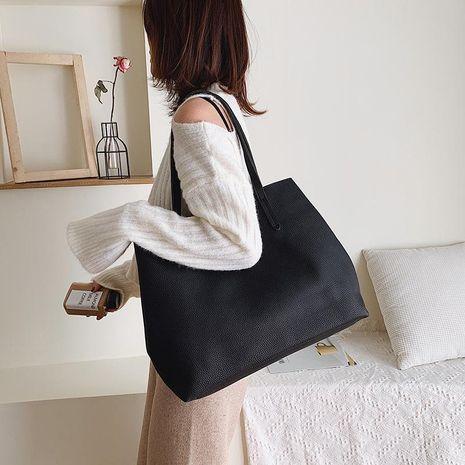 Bolso de gran capacidad portátil femenino nuevo bolso de hombro negro retro de moda NHXC176764's discount tags