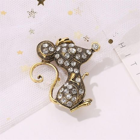 New creative retro mouse brooch personality jacket scarf pin men and women collar pin buckle NHDP183316's discount tags