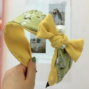 Bowshaped pearl headband Korean wide edge toothed nonslip contrast color floral hair accessories headband NHRH183244