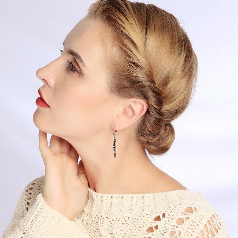 Pendientes de moda joyería al por mayor aleación de diamantes hoja colgante damas pendientes NHQD185946