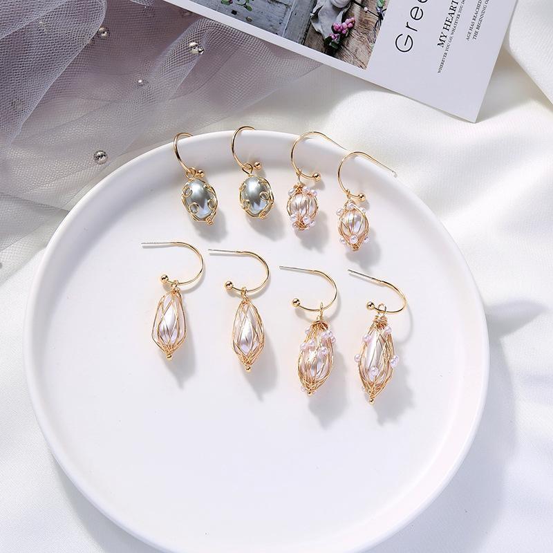 Aretes para mujer creativos pendientes de malla metálica hueca pendientes de perlas barrocas NHQD185968