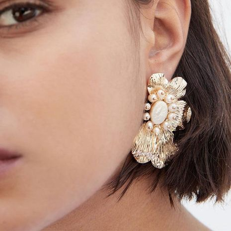 Individual exaggerated alloy earrings with pearl acetate acetate flower earrings NHJE185843's discount tags