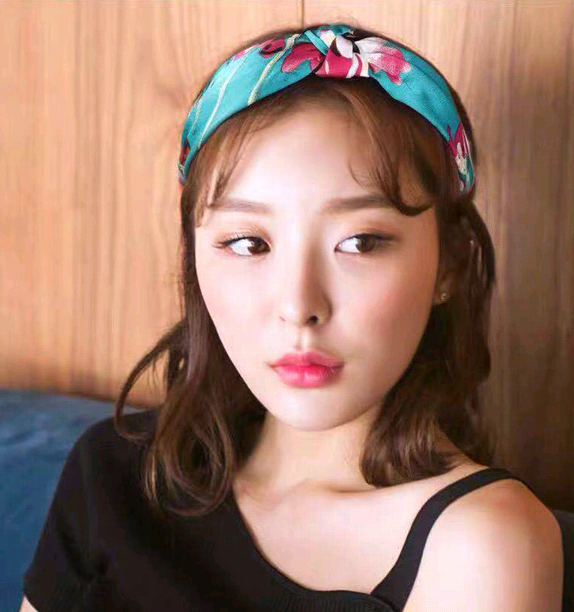 Korean fashion garden wind floral fabric headband headband head buckle ladies hair hoop NHSC185763