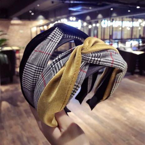 Versión coreana de temperamento simple nuevos adornos para el cabello tela enrejado costura en cruz gancho de lado ancho aro de pelo cabeza aro prensa de pelo NHSM186315's discount tags