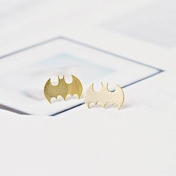 Batman Ear Stud Aleación Revestimiento Animal Bat Spread Wing Gliding Ear Pin NHCU186589