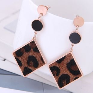 Exquisite Korean fashion rose gold titanium steel female earrings simple geometric diamond leopard exaggerated temperament earrings NHSC187007's discount tags