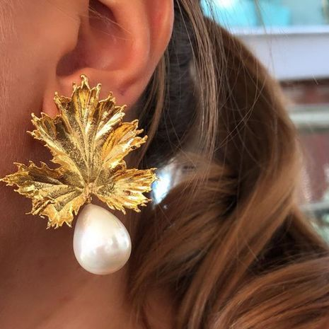 Exaggerated pearl leaf earrings fashion temperament golden maple leaf earrings earrings women NHGY187716's discount tags