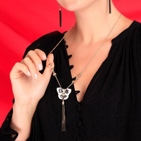 Korean Crystal Diamond Clavicle Chain Butterfly Pendant New Exaggerated Tassel Sweater Chain NHQD187891's discount tags