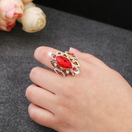 Anillo de los amantes con adorno de anillo de patrón hueco vintage ajustable de cristal de diamante NHKQ183487's discount tags