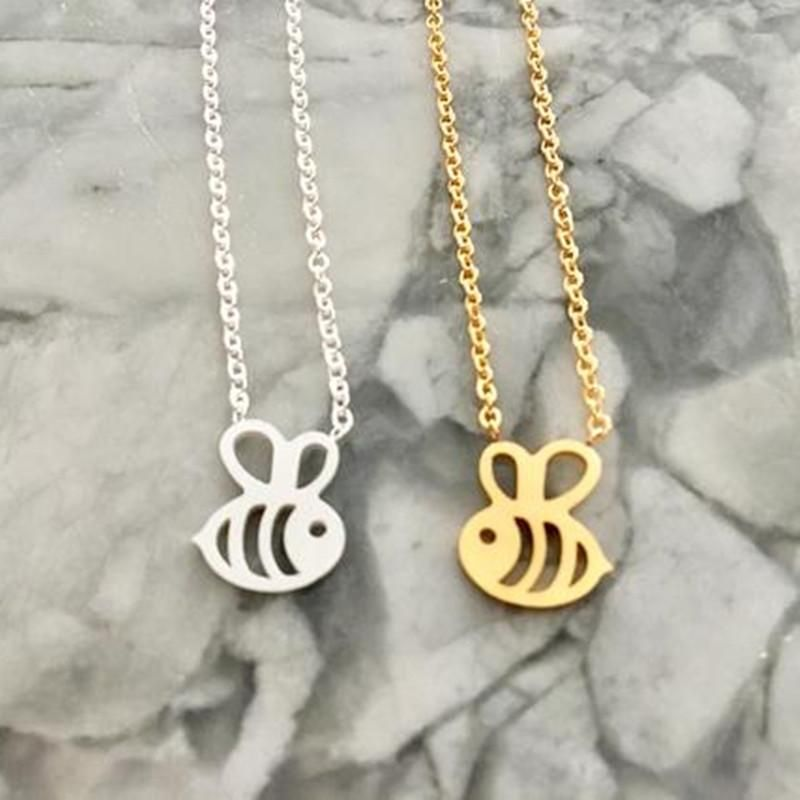 Simple Hollow Little Bee Pendant Necklace Environmental Protection Gold Plated Silver Female Clavicle Chain Wholesale NHCU189057