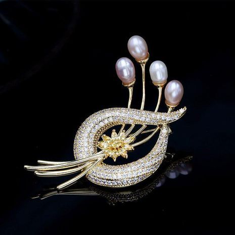 High-grade natural pearl brooch female fashion coat pin decoration creative wild corsage elegant temperament with jewelry NHDO190024's discount tags