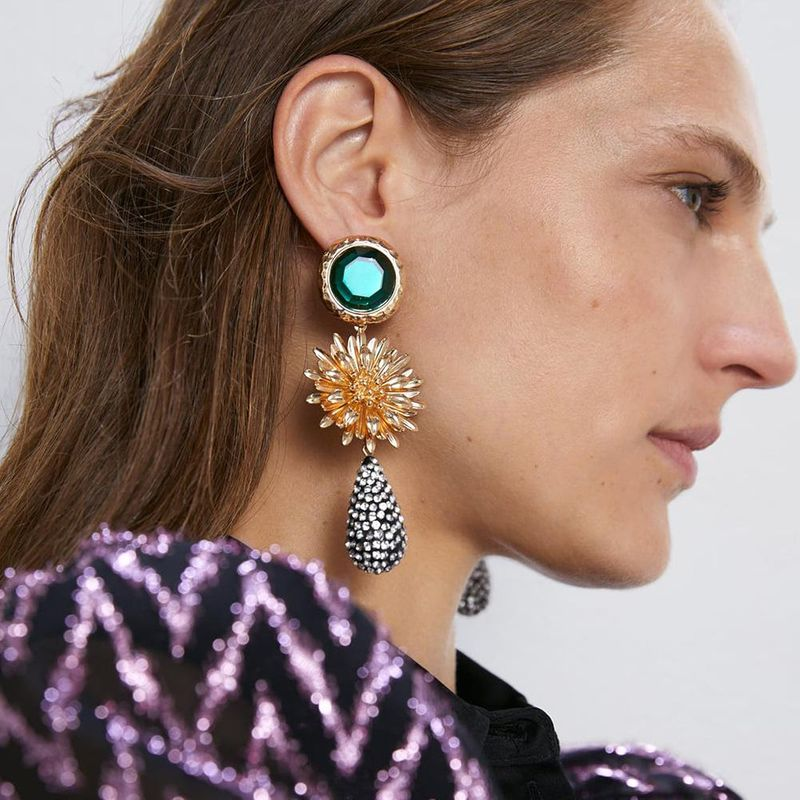 Za exaggerated European and American alloy flower pearl inlaid rhinestone resin long earrings retro earrings fashion temperament earrings NHLN190176