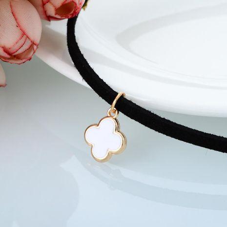 Collar de trébol de cuatro hojas de aceite de goteo de moda collar de franela corta para mujer NHBQ190303's discount tags