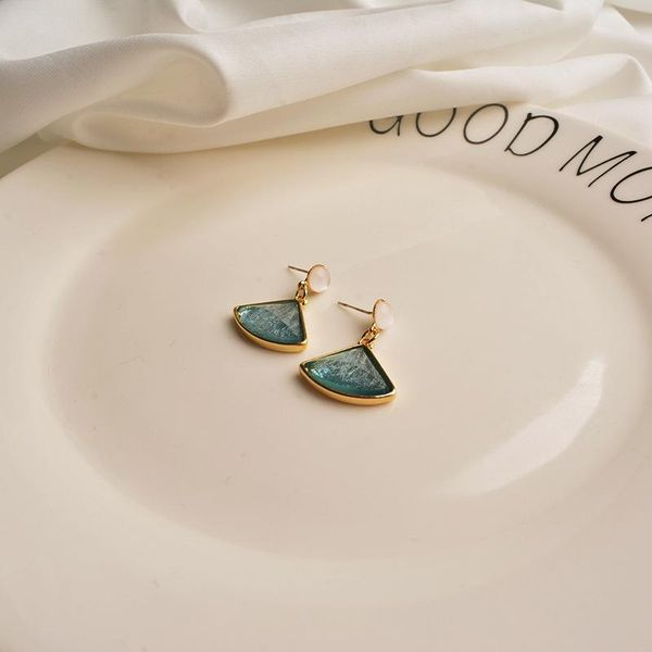 Retro temperament s925 silver pin niche design fan-shaped earrings female tide small Hong Kong style earrings NHWF190401