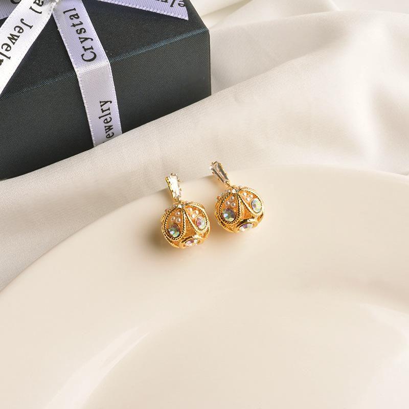 Earrings female retro ball pearl stud earrings ear jewelry NHWF190409