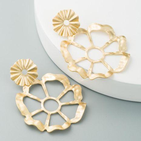 Pendientes calientes para mujer Pendientes irregulares de flor de topetón Yajin NHLN190435's discount tags