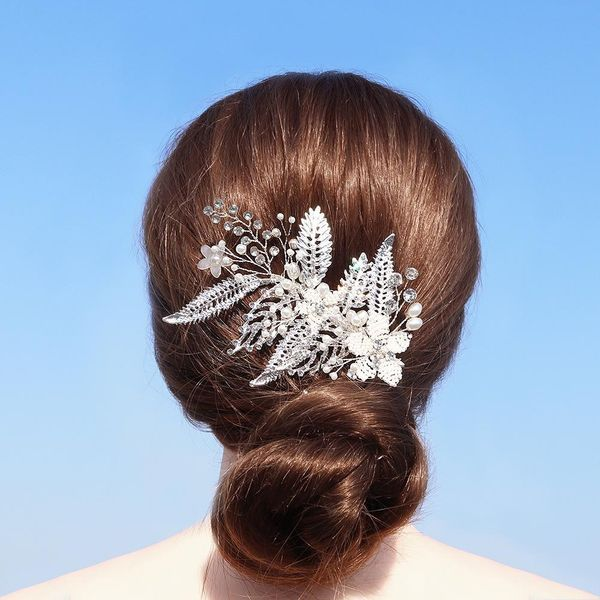 Bridal wedding hair accessories high-end handmade beaded hair clip alloy hollow leaf edge clip headdress NHHS183588