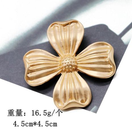 Golden four petal flower brooch simple fashion pin coat coat brooch pin NHOM183903's discount tags