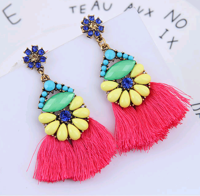 European and American trend metal flashing fringed exaggerated temperament earrings NHSC184084
