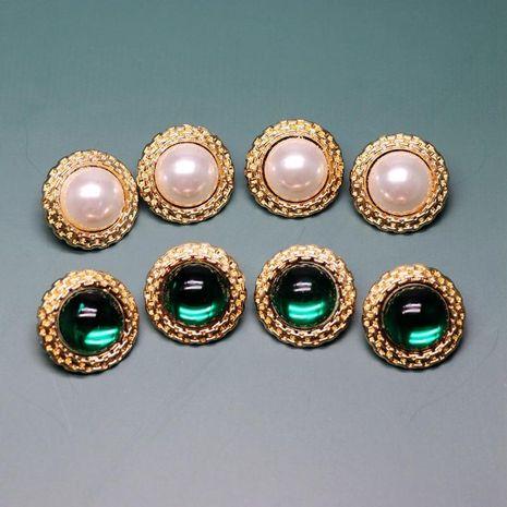 Pendientes redondos de perlas verdes y blancas blancas y retro 925 Pendientes redondos de encaje cóncavo dorado retro NHOM190849's discount tags