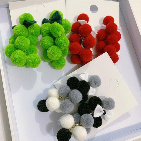 Aretes de borla de bola de felpa para mujer Pendientes de lazo de color impactante para mujer NHYQ191131's discount tags