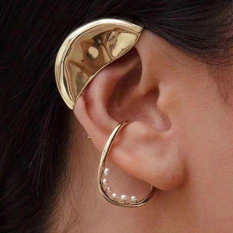 Aretes de perlas de gota de agua orejas perforadas femeninas moda clip de hueso de oreja de perla de arroz creativo simple NHYQ191133's discount tags