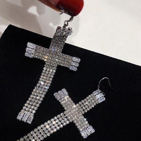 Aretes de borla con cruz de diamantes exagerados NHYQ191140's discount tags
