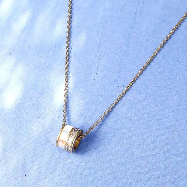 Korean 18K white shell titanium steel 18K rose gold pendant rose gold necklace women NHIM184536