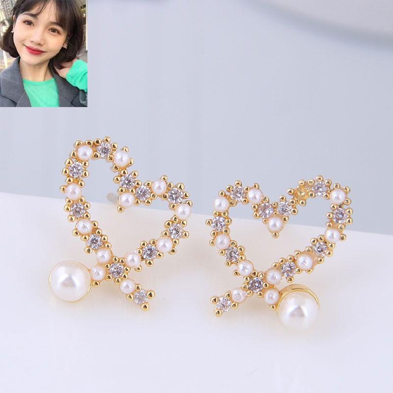 Copper plated gold earrings Korean fashion sweet flash diamond love personality earrings NHSC184445